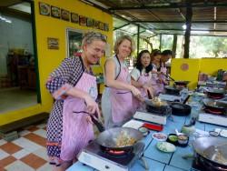 Rinell koken in Thailand kookschool
